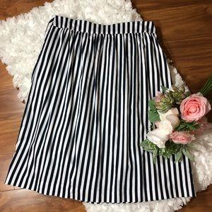 Ann Taylor Striped Skirt Sz 10